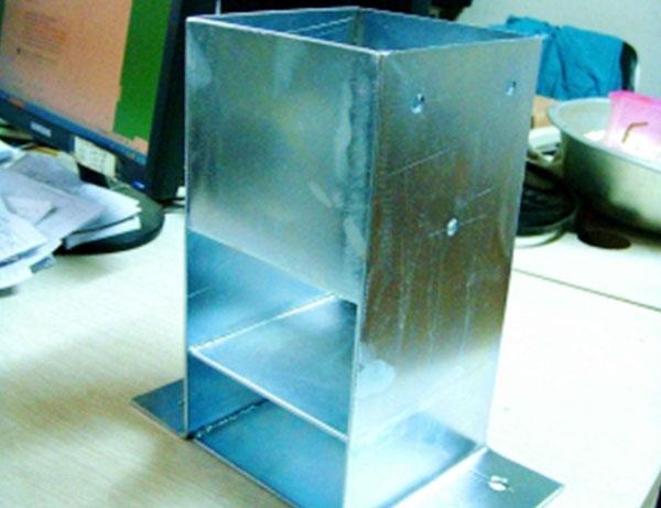 Column angle iron piece
